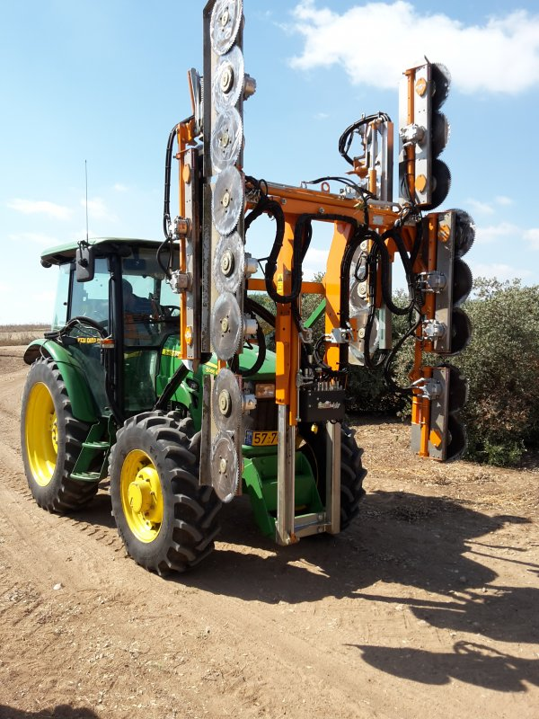 Машина за контурна резитба на овощни градини CoupEco Viti NAOTEC Pruner