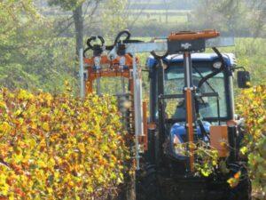 Предрезитбени агрегати за лозарски трактори CoupEco Viti NAOTEC DIAMANT